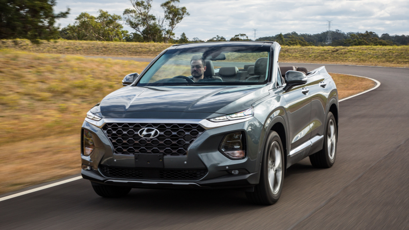Hyundai SantaFe 2019 bất ngờ có thêm phiên bản mui trần